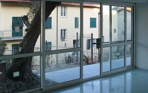 Costo persiane in alluminio al mq simple awesome persiane for Costo finestre in pvc al mq